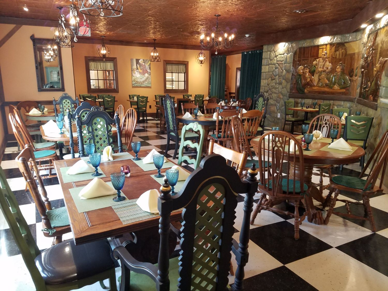 Fables-restaurant-dining-room-971-b