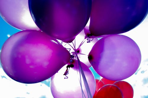 purple-red-balloons
